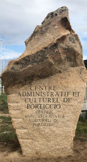 monolithe-mairie-de-grosseto-prugna-porticcio